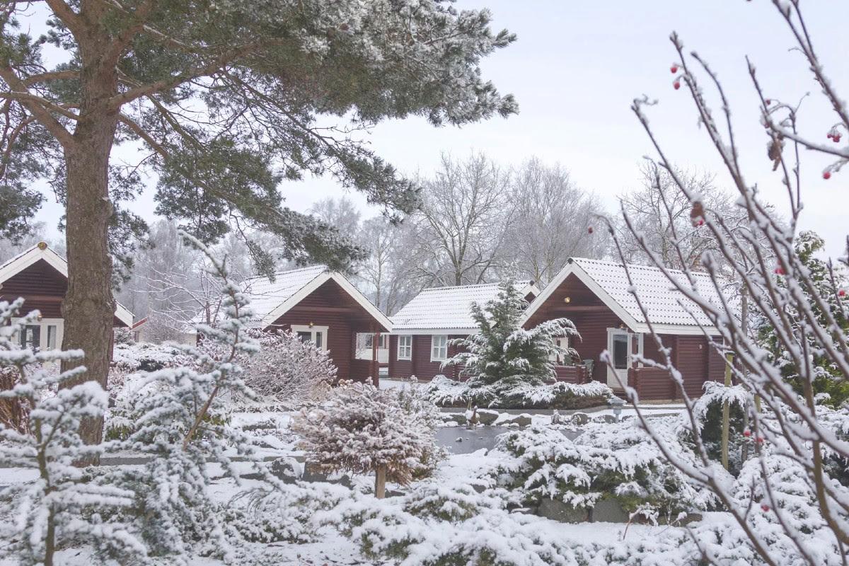 Vinter-hytter-knudhule-badehotel
